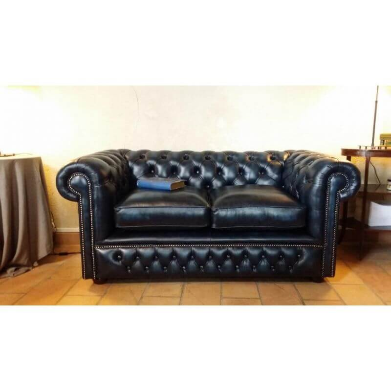 distinctive chesterfields canap chesterfield anglais holyrood. Black Bedroom Furniture Sets. Home Design Ideas